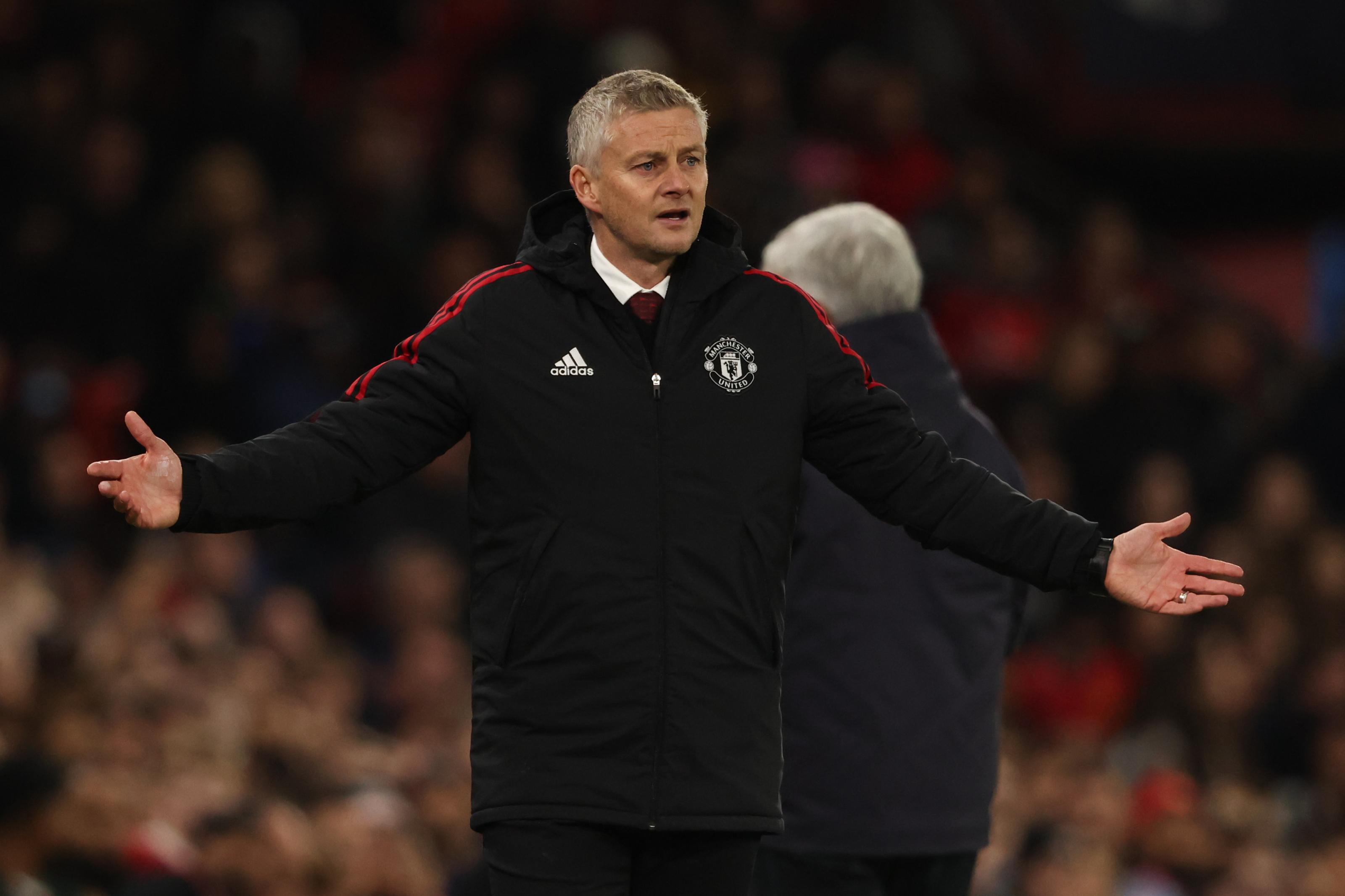 """تقارير: مانشستر يونايتد يحسم مستقبل """"سولشاير"""" مع الفريق"""
